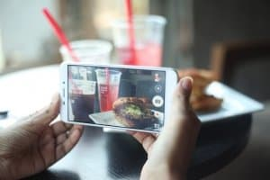 sharing food and beverage photos on social